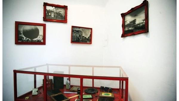 Recuperan las piezas de colección robadas del Museo Fotográfico de Quilmes