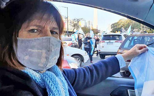 Patricia Bullrich: «Esto limpia lo que dijeron de los banderazos, que atentaban contra la salud»